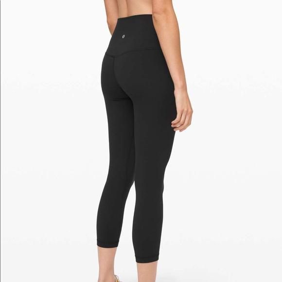 Lululemon wonder under luxetreme cropped black leggings 23 inch